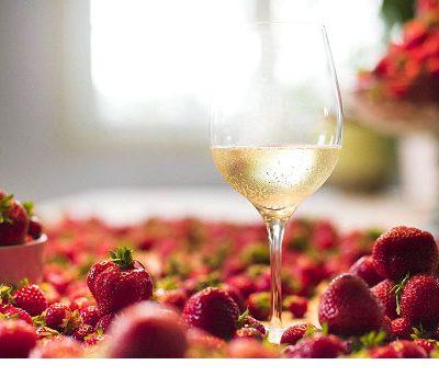"""Per SMAK il nostro Brachetto d'Acqui è il miglior vino per accompagnare """"le bacche norvegesi"""""""